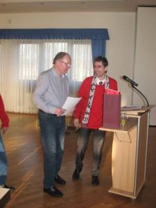 Mitglieder Abschied von Lutz Bachmann links